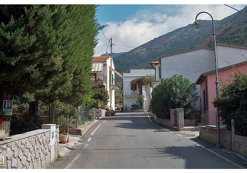passeggiata attraverso il borgo